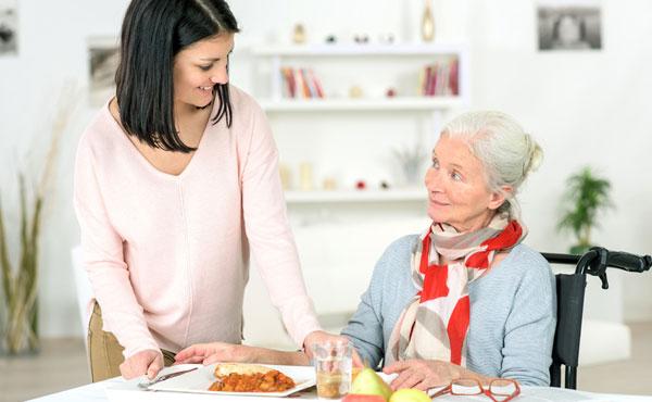 Offres d'emploi auxiliaires de vie Anglet Bayonne Biarritz (64), aide à domicile pour personnes âgées