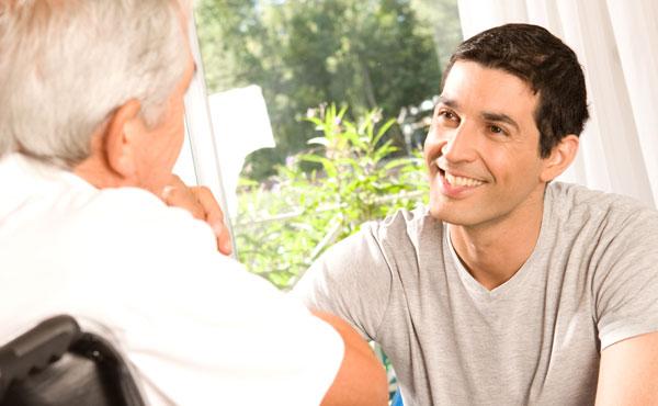 Offres d 39 emploi auxiliaires de vie saint rapha l et for Auxiliaire de vie en maison de retraite