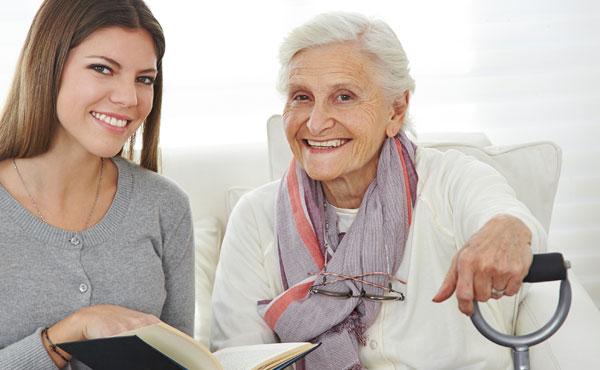 Agent d'accompagnement auprès des personnes âgées et des personnes dépendantes (AAPAPD)