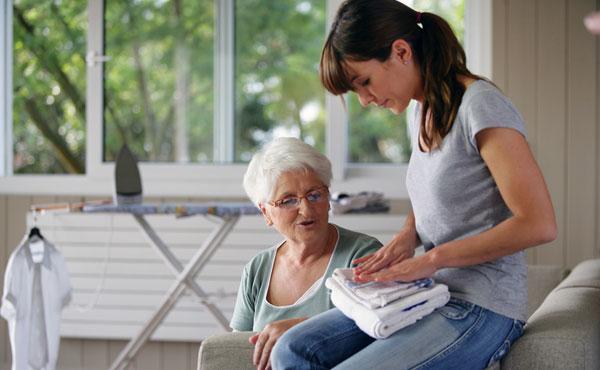 Offre d'emploi auxiliaires de vie Cannes Est (06) par Petits-fils, aide à domicile pour personnes âgées