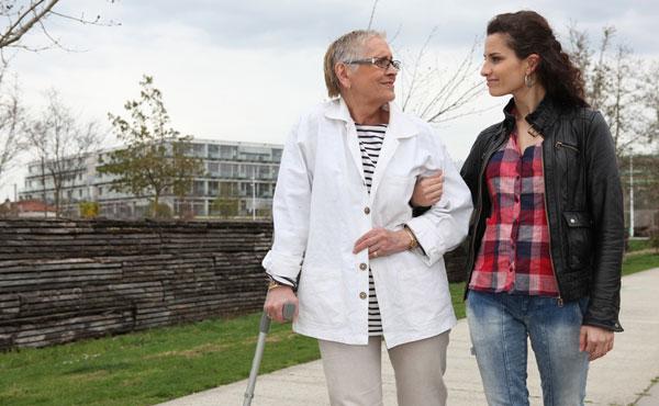 Offre d'emploi auxiliaires de vie Saint-Etienne (42) par Petits-fils, aide à domicile pour personnes âgées