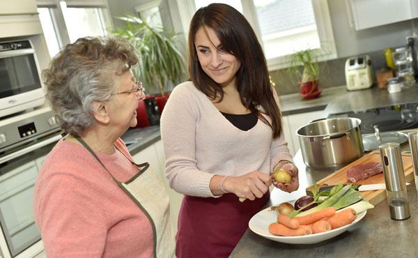 Offre d'emploi auxiliaires de vie Saint-Maur-des-Fossés (94) par Petits-fils, aide à domicile pour personnes âgées