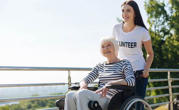 Offre d'emploi auxiliaires de vie Villejuif (94) par Petits-fils, aide à domicile pour personnes âgées