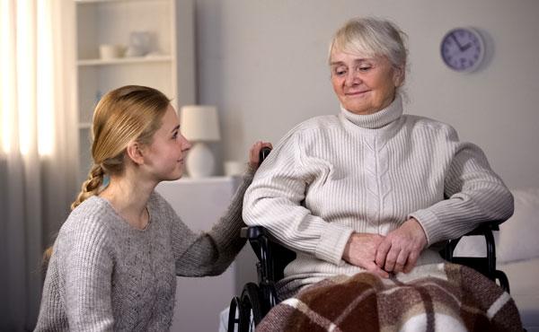 Offre d'emploi - Auxiliaires de vie aux Sables-d'Olonne (85) par Petits-fils, aide à domicile pour personnes âgées