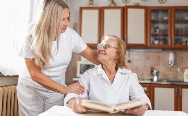 Offre d'emploi - Auxiliaires de vie à Salon-de-Provence (13) par Petits-fils, aide à domicile pour personnes âgées