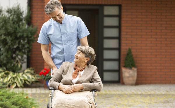 Offre d'emploi - Auxiliaires de vie aux Pennes-Mirabeau par Petits-fils, aide à domicile pour personnes âgées
