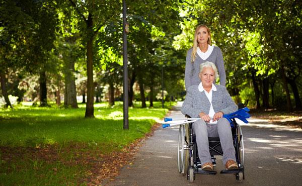 Offres d'emploi Auxiliaires de vie Angers (49) - Aide à domicile pour personnes âgées