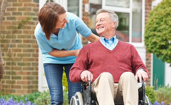 Offre d'emploi auxiliaires de vie Rennes (35), aide à domicile pour personnes âgées