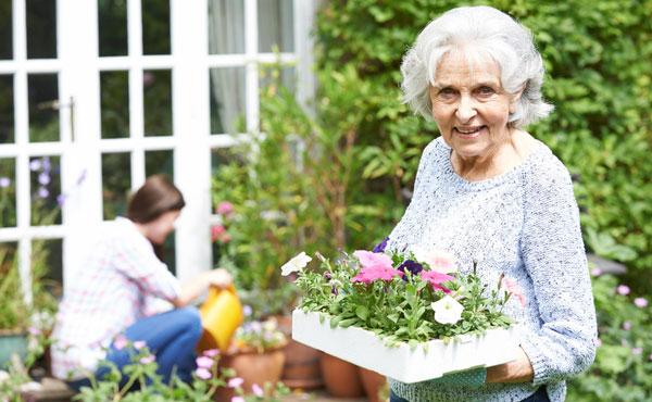 Offres d'emploi auxiliaires de vie à Versailles (78) - Aide à domicile pour les personnes âgées