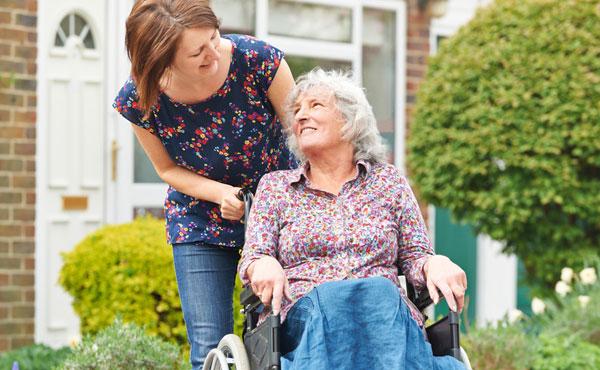 Offre d'emploi auxiliaires de vie Vincennes (94) par Petits-fils, aide à domicile pour personnes âgées