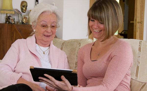 Offre d'emploi auxiliaires de vie à Antony (92) par Petits-fils, aide à domicile pour personnes âgées