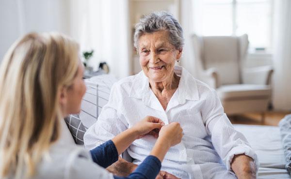 Offre d'emploi auxiliaires de vie à Reims (51) par Petits-fils, aide à domicile pour personnes âgées