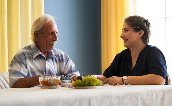 Offre d'emploi - Auxiliaires de vie à Antibes (06) par Petits-fils, aide à domicile pour personnes âgées