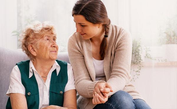 Offre d'emploi - Auxiliaires de vie à Valenciennes (59) par Petits-fils, aide à domicile pour personnes âgées