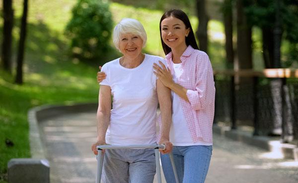 Offre d'emploi - Auxiliaires de vie à La Garde (83) par Petits-fils, aide à domicile pour personnes âgées